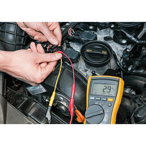 Набор измерительного оборудования для тестирования автомобиля