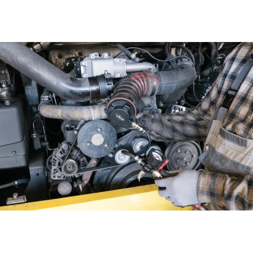 Набор для проверки на герметичность системы турбонаддува в коммерческих автомобилях